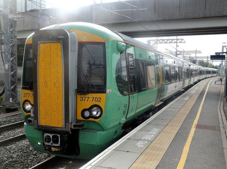Southern 377 train